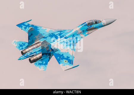 Ukrainian Air Force Sukhoi Su-27UB 'Flanker' Blue 71 from 831st Tactical Aviation Brigade performing an airshow routine in Radom, Poland. - Stock Photo