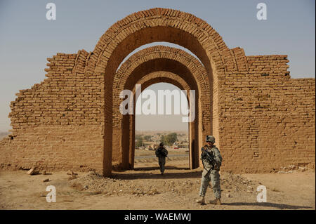 U.S. Soldiers from Crazy Horse Troop, 1st Squadron, 3rd Armored Cavalry Regiment provide security for the Provincial Reconstruction Team and represent - Stock Photo