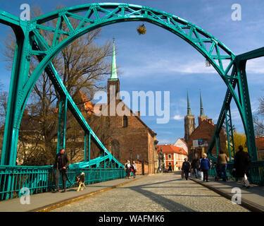 Wroclaw, 08.04.2008, Ostrow Tumski. Tunski bridge. Holy cross church and Saint John cathedral in background. Fot. Radek Jaworski / FORUM - Stock Photo