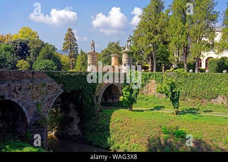 Schloss, Castello del Catajo, Park, Kanal, Canale Battaglia, Battaglia Terme Italien (Italia), 30076918 - Stock Photo