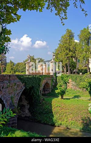 Schloss, Castello del Catajo, Park, Kanal, Canale Battaglia, Battaglia Terme Italien (Italia), 30076916 - Stock Photo