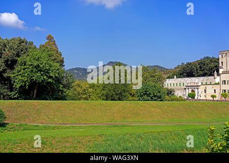 Schloss, Castello del Catajo, Park, Kanal, Canale Battaglia, Battaglia Terme Italien (Italia), 30076926 - Stock Photo