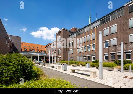 Academic, architecture, outside view, field recording, building, DE, DEU, Germany, Duisburg-Essen, Europe, colour photo, colour print, colour photogra - Stock Photo