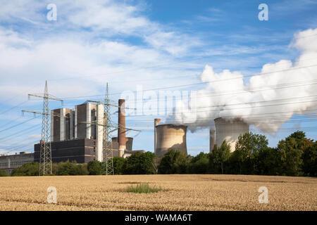 the lignite-fired power plant Weisweiler in Eschweiler-Weisweiler, North Rhine-Westphalia, Germany.  das Braunkohlekraftwerk Weisweiler in Eschweiler- - Stock Photo