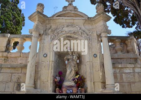 rabat/mdina The Metropolitan Cathedral of Saint Paul virgin mary and jesus statue in alcove - Stock Photo