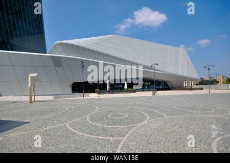 Italy, Lombardy, Milan, CityLife, Hadid Tower designed by Zaha Hadid Architect - Stock Photo