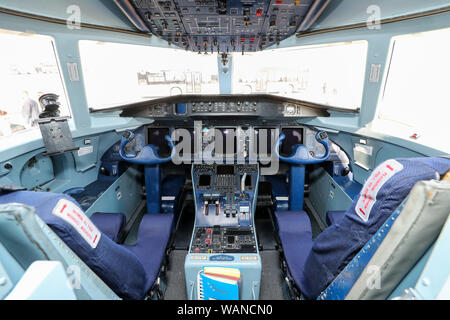 Schkeuditz, Germany. 21st Aug, 2019. View into the cockpit of a Dornier 328 at the edge of the National Aviation Conference at Leipzig-Halle Airport. Credit: Jan Woitas/dpa-Zentralbild/dpa/Alamy Live News - Stock Photo