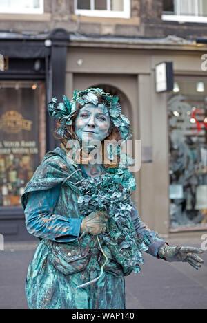 Edinburgh Fringe Festival, Royal Mile, Scotland UK. 21st August 2019. Living Statue on the High Street. - Stock Photo