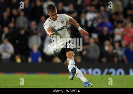 London, UK. 21st Aug, 2019. Joe Bryan of Fulham in action. EFL Skybet championship match, Fulham v Millwall at Craven Cottage in London on Wednesday 21st August 2019. this image may only be used for Editorial purposes. Editorial use only, license required for commercial use. No use in betting, games or a single club/league/player publications . pic by Steffan Bowen/Andrew Orchard sports photography/Alamy Live news Credit: Andrew Orchard sports photography/Alamy Live News - Stock Photo