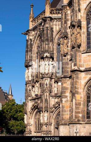 the cathedral in Aachen, North Rhine-Westphalia, Germany.  der Dom, Aachen, Nordrhein-Westfalen, Deutschland. - Stock Photo