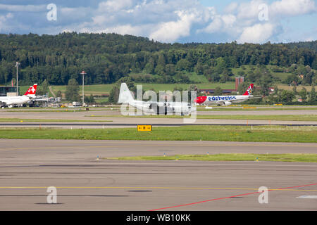 Swedish Air Force, Typ: Lockheed AC-130H Hercules, Reg: 848 am Flughafen Zürich (ZRH). 15.08.2019 - Stock Photo