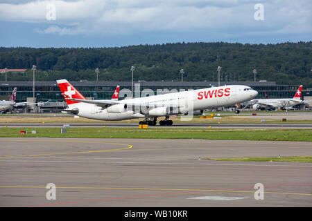 Airbus A340-313X, Reg: HB-JMA beim Abflug vom Flughafen Zürich (ZRH). 15.08.2019 - Stock Photo