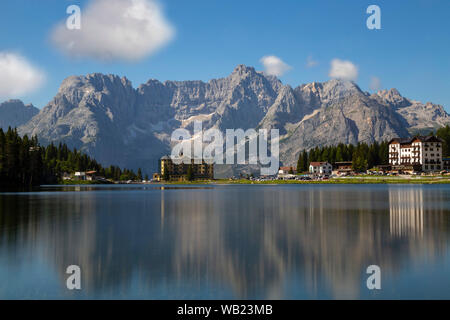 Lake Misurina is Cadore's largest natural lake and is 1,754 m above sea level, near Arononzo di Cadore. The perimeter of the lake has 2.6 km in length