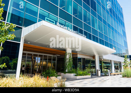 August 13, 2019 San Jose / CA / USA - The new Hewlett Packard Enterprise (HPE) corporate headquarters located in Silicon Valley - Stock Photo