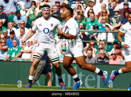 London, UK. 24th Aug, 2019. LONDON, ENGLAND. AUGUST 24: Manu Tuilagi of England during Quilter International between England and Ireland at the Twickenham stadium on August 24, 2019 in London, England. Credit: Action Foto Sport/Alamy Live News - Stock Photo