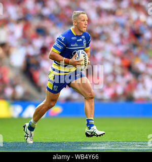 London, UK. 24th August 2019; Wembley Stadium, London, England; Rugby Football League Coral Challenge Cup final, Warrington Wolves versus St Helens; Jason Clark of Warrington Wolves runs forward with the ball - Editorial Use Only. Credit: Action Plus Sports Images/Alamy Live News - Stock Photo