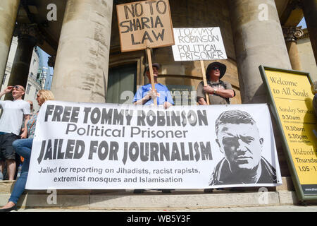 Saturday 24th august ,12pm  , anti fascist groups gathered to repel the far right supporters of Tommy Robinson , - Stock Photo
