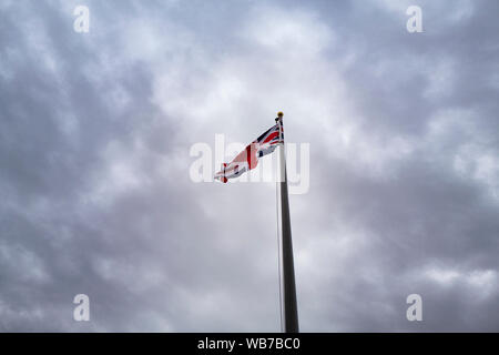 Arizona, America, 8th, March, 2018. The England flag at London Bridge in Lake Havasu City. It was built in the 1830s and formerly spanned the River Th - Stock Photo