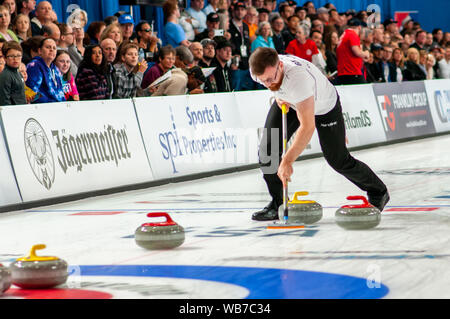 Raleigh, North Carolina, USA. 24th Aug, 2019. Aug. 24, 2019 Ã RALEIGH, N.C., US - ROBIN BRYDONE of Scotland in action during Curling Night in America at the Raleigh Ice Plex. Curling Night in America featured members of the U.S. Olympic menÃs gold medal team from the 2018 Winter Olympics in South Korea, the U.S. womenÃs team, as well as teams from Italy, Japan, and Scotland, Aug. 22-24, 2019. Credit: Timothy L. Hale/ZUMA Wire/Alamy Live News - Stock Photo
