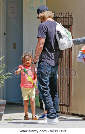 Los Angeles, CA - Canadian model Gabriel Aubry does his daily routine picking up his daughter Nahla from school, she had a blast with a friend blowing bubbles and running around the parking lot. AKM-GSI, May 22, 2013 - Stock Photo