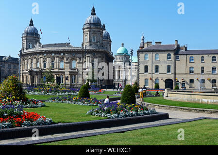 Queen's Gardens, looking towards the Town Hall and Maritime MUseum, Hull, East Yorkshire, England UK - Stock Photo