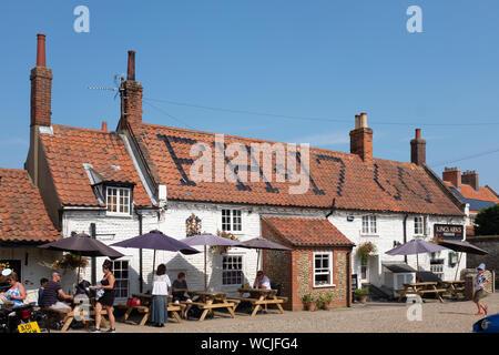 Outside of traditional English pub, Kings Arms, Blakeney, Norfolk. - Stock Photo