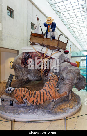 The Royal Armouries Museum, Leeds, West Yorkshire, England. Recreation of a tiger hunt in India on display in the hunting gallery. - Stock Photo