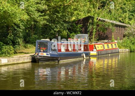 BATH, ENGLAND - JULY 2019: House boats on the Kennet & Avon Canal near the city of Bath - Stock Photo