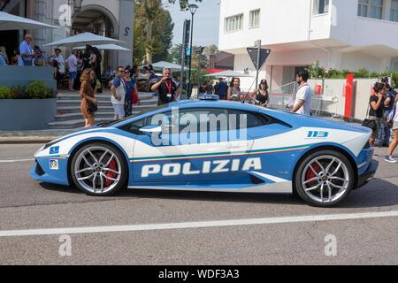 Venice, Italy. 29th Aug 2019. Italian police Lamborghini seen during the 76th Venice Film Festival at Palazzo del Cinema on the Lido in Venice, Italy, on 29 August 2019. | usage worldwide Credit: dpa picture alliance/Alamy Live News - Stock Photo