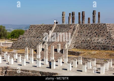 Mexico, Hidalgo state, Tula de Allende, Toltec archaeological site, pillars the Atlantes on the Pyramid of Quetzalcoatl or of the Morning Star - Stock Photo