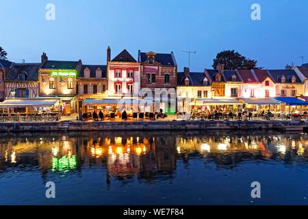 France, Somme, Amiens, Saint-Leu district, Quai Belu on the banks of the Somme river - Stock Photo