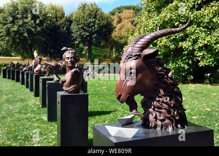 Italy, Tuscany, Florence, listed as World Heritage by UNESCO, contemporary sculptures in the gardens of the Palazzo Della Gherardesca, 5 star palace Four Seasons Hotel Firenze - Stock Photo
