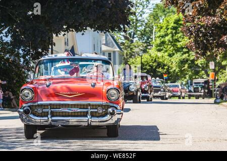 United States, New England, Massachusetts, Cape Ann, Gloucester, Fourth of July Parade, antique car - Stock Photo