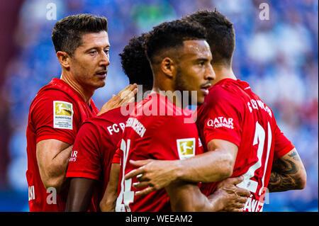 24 augustus 2019 Gelsenkirchen, Germany Soccer Schalke 04 v Bayern Munchen   24-08-2019: Voetbal: Schalke 04 v Bayer Munchen: Gelsenkirchen L-R FC Bayern Munchen player Robert Lewandowski