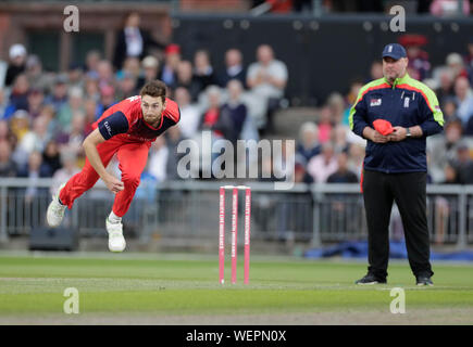 Manchester, UK. 30th August 2019; Emirates Old Trafford, Manchester, England; T20 Vitality Blast, Lancashire Lightning versus Leicestershire Foxes; Richard Gleeson bowling for Lancs - Editorial Use Only Credit: Action Plus Sports Images/Alamy Live News