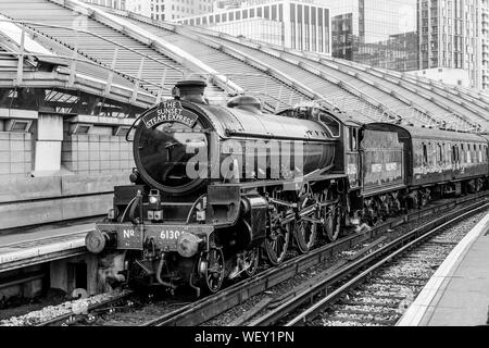 LNER Class B1, 61306 Mayflower, at Waterloo Station - Stock Photo