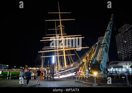 Bremerhaven, Germany. 31st Aug, 2019. The historic sailing ship 'Seute Deern' has fallen into a sloping position due to a pump failure. When troops of the fire brigade explored the 'Seute Deern', the ship tilted so threateningly that the mission was aborted. The 'Seute Deern' (High German 'Sweet Girl') belongs to the museum fleet of the German Maritime Museum (DSM) and has been located in the Old Harbour for more than 50 years. Credit: Mohssen Assanimoghaddam/dpa/Alamy Live News