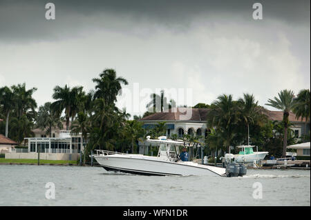 Fort Lauderdale, Florida, USA. 31st Aug, 2019. Boat owners move boats out of Fort Lauderdale Marina in enticipation of Hurricane Dorian. Credit: Orit Ben-Ezzer/ZUMA Wire/Alamy Live News - Stock Photo