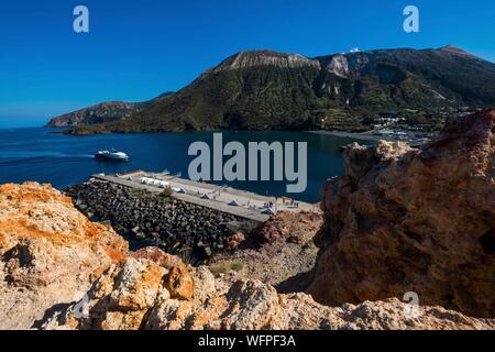 Italy, Sicily, Eolian Islands listed as World Heritage by UNESCO, Vulcano, Porto di Levante - Stock Photo