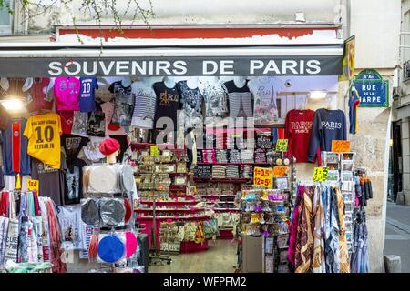 France, Paris, area listed as World Heritage by UNESCO, Ile de la Cite, Rue d'Arcole - Stock Photo
