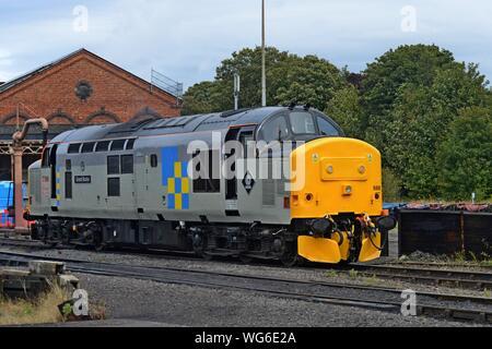 Class 37 English Electric diesel locomotive 37688 'Great Rocks' at Kidderminster station, Severn Valley Railway - Stock Photo