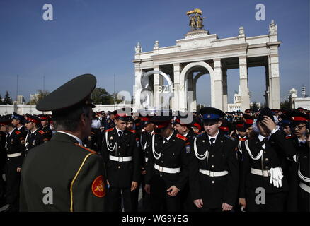 Moscow, Russia. 01st Sep, 2019. MOSCOW, RUSSIA - SEPTEMBER 1, 2019: Moscow cadets attend a ceremony marking the beginning of a new academic year, at the VDNKh exhibition centre and park. Artyom Geodakyan/TASS Credit: ITAR-TASS News Agency/Alamy Live News - Stock Photo