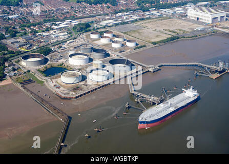 Oil tanker offloading at Ellesmere Port, North West England, UK - Stock Photo