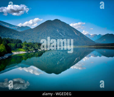 DE - BAVARIA: Sylvenstein Reservoir to the South of Bad Tölz - Stock Photo