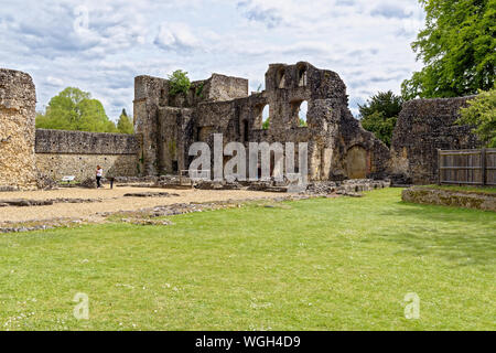 Wolvesey Castle (Old Bishop's Palace) - Monumental remains of a 12th-century palace, once the residence of the bishops of Winchester City - England - - Stock Photo