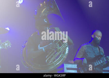 September 1, 2019, San Diego, CA, United States: Damon ''Tuba Gooding Jr.'' (L) Bryson and Mark Kelley (R) of The Roots perform. (Credit Image: © Rishi Deka/ZUMA Wire) - Stock Photo