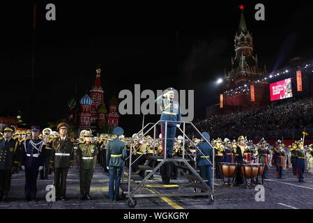 Moscow, Russia. 01st Sep, 2019. MOSCOW, RUSSIA - SEPTEMBER 1, 2019: The closing ceremony of the 12th Spasskaya Tower International Military Music Festival in Red Square. Artyom Geodakyan/TASS Credit: ITAR-TASS News Agency/Alamy Live News - Stock Photo