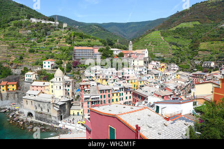 Vernazza, one of the five beautiful villages of the Cinque Terre on the Italian coastline. - Stock Photo