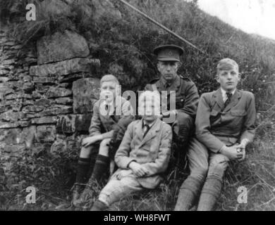 The Auden brothers on holiday in Rhayader, Wales, during World War One. W H Auden, The Life of a Poet, by Charles Osborne.. - Stock Photo