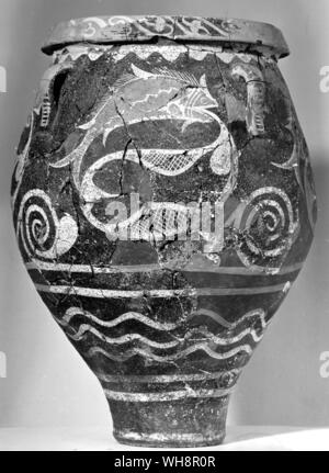 Detail of fish on a storage jar from Phaistos, 18th century BC. - Stock Photo